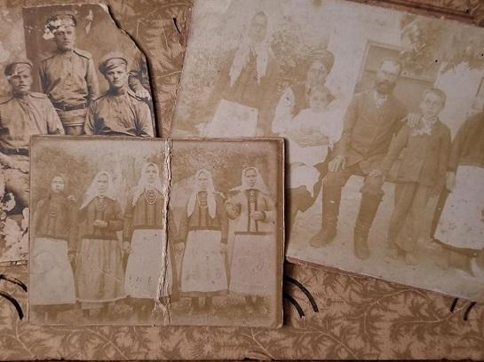 У старовинній скрині черкащанка знайшла столітній родинний скарб