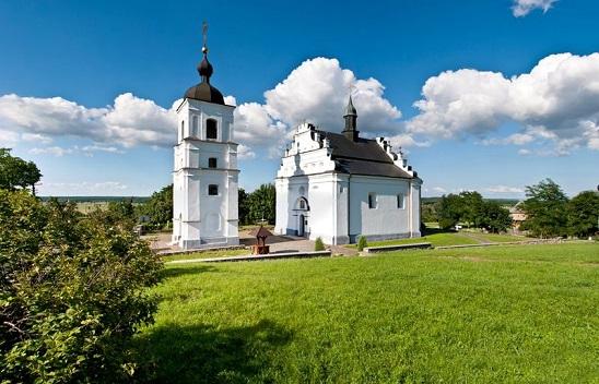 Черкащанка повернулася зі США, щоб вінчатися у гетьманській церкві в Суботові