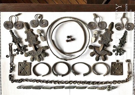 Українські старожитності, продані через аукціони, нелегально вивозяться з країни