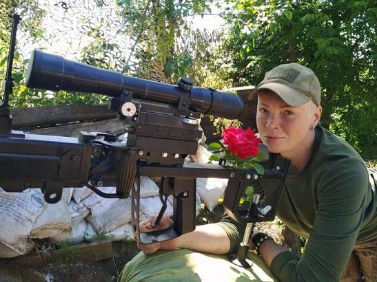 Пулеметчица с России уничтожает врагов Украины на Донбассе