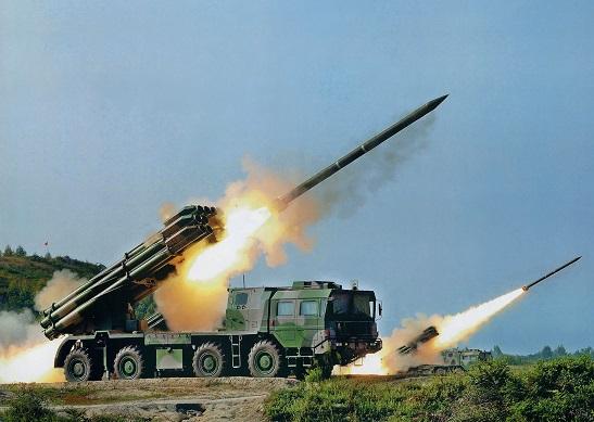 """Перевірка готовності реактивної артилерії: """"Смерч"""" готовий попрацювати проти ворогів України"""