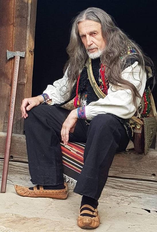 У мистецькому «наборі в гуцули» для фільму й етнокалендаря взяли участь відомі на Черкащині байкер і етнограф