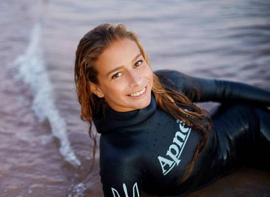Українка встановила світовий рекорд, пірнувши на глибину 70 метрів без акваланга!