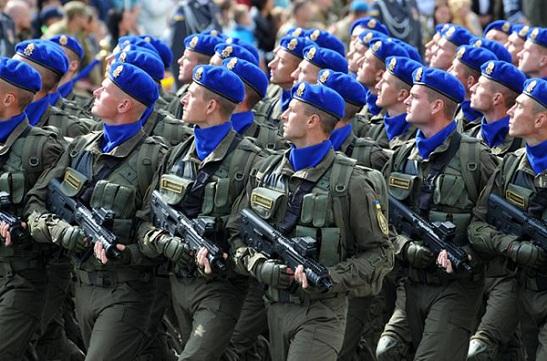 """Верховна Рада законодавчо закріпила вітання """"Слава Україні!"""" у військах та в поліції"""