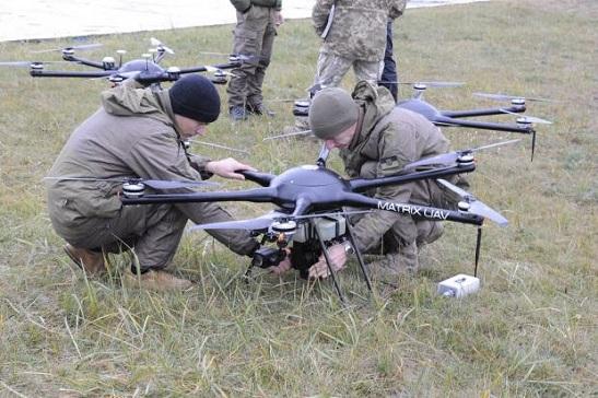 Українські військові випробували роботизовані безпілотні комплекси