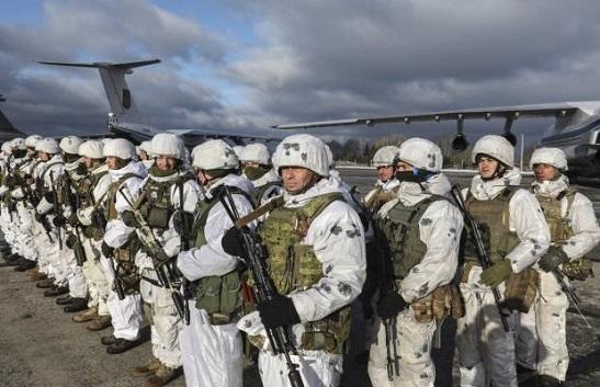 Захист рубежів: Україна перекидає на кордон з Росією десантно-штурмові війська