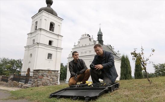 Телевізійники розшукали підземний хід біля церкви гетьмана Хмельницького у Суботові