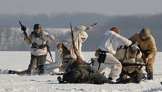 У Лисянці на Черкащині історичні реконструктори відтворили битву 1944 року…
