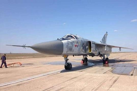 Українські бійці отримали модернізований бомбардувальник Су-24