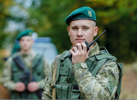 Ще двоє громадян Росії, затримані прикордонниками, попросили політичний притулок в Україні