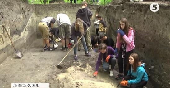 На Львівщині археологи розкопали руїни церкви давньоруських княжих часів