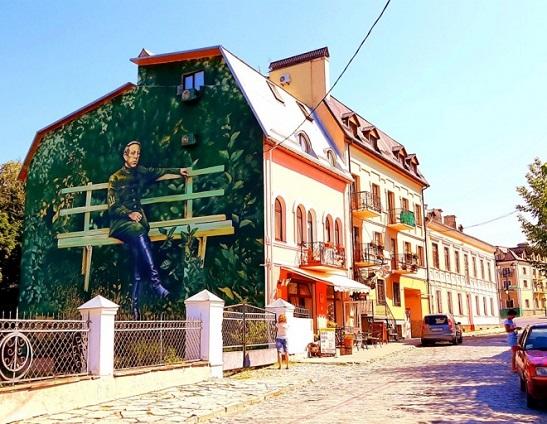 У Кам'янці-Подільському створили найбільший мурал із зображенням Симона Петлюри