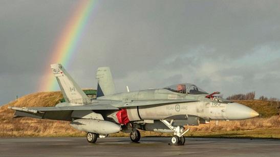 Поставки канадської зброї Україні: експерти очікують передачу бронетранспортерів і літаків F-18