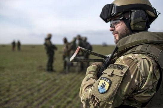 """Бійці """"Азову"""" знищили чотирьох російських найманців. Ще одного – захопили у полон"""