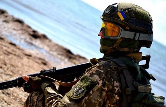 Морські піхотинці за підтримки авіації, танкістів та артилеристів відпрацювали методику знищення ворога, що десантувався з моря