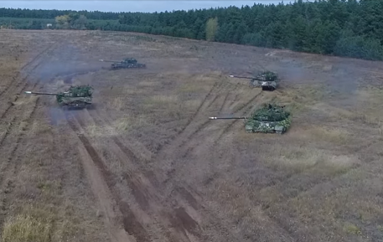Українські танкісти влаштували видовищні навчання на Донбасі