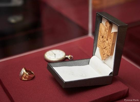 Особисті речі Степана Бандери презентували у Музеї визвольної боротьби