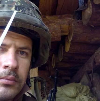 """Офіцер Нацгвардії загинув у зоні ООС так, як у своїй ролі у довоєнному фільмі """"Холодний Яр"""" – лицем до ворога…"""