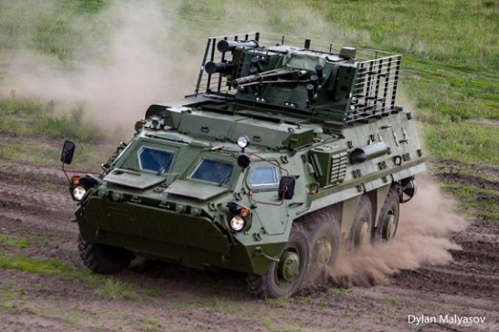 Надійність військової техніки для ЗСУ перевірять на демонстраційному показі