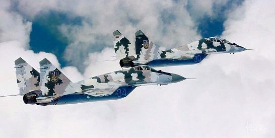 За наказом МО України у повітря підняли винищувачі і штурмовики бригади тактичної авіації…