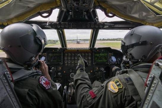 Американські бомбардувальники над Чорним морем спричинили паніку окупантів у Криму