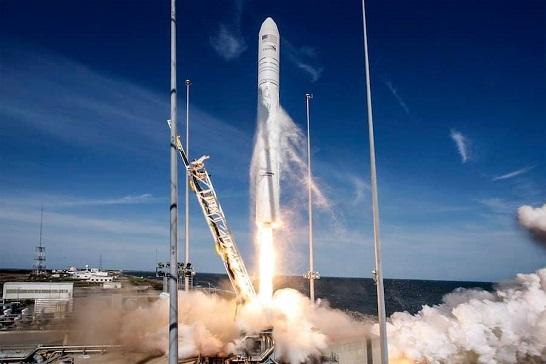 """Українські фахівці допомогли США запустити на космічну орбіту ракету """"Antares"""""""