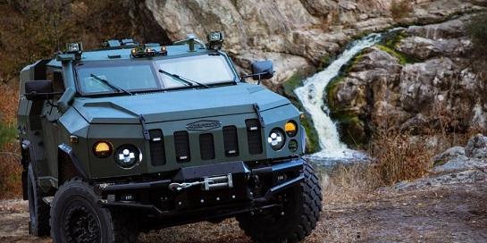 """Замість """"Хаммера"""": в Україні планують виробляти власний потужний позашляховик для подорожей і пригод – цивільну версію популярної армійської бронемашини"""