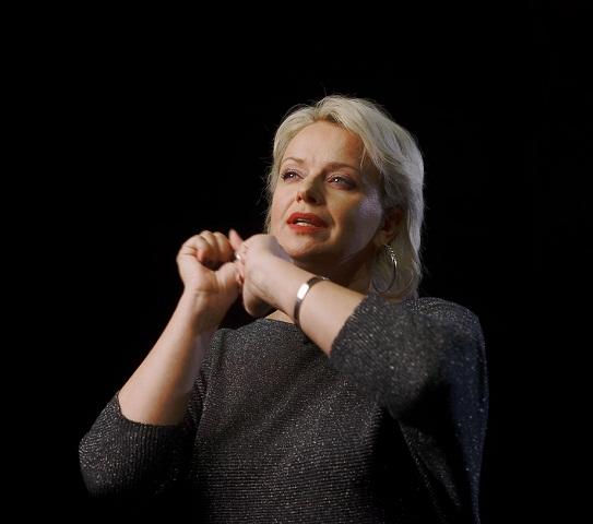 Актриса Ірма Вітовська переконана: долю України не повинен визначати той, хто не почувається її громадянином