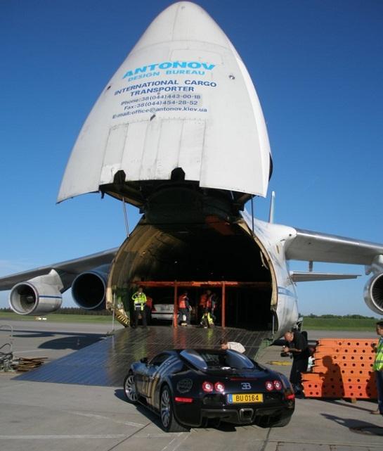 Літаки з України забезпечують найшвидшу доставку елітних авто по всьому світу
