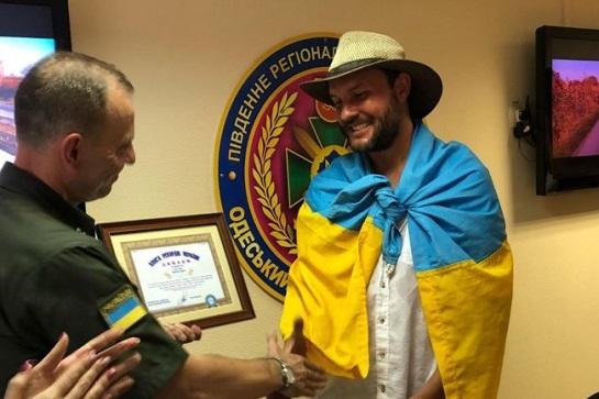 Українці з безвізовими паспортами все більше подорожують Європою та іншими країнами світу і все менше – до Росії…