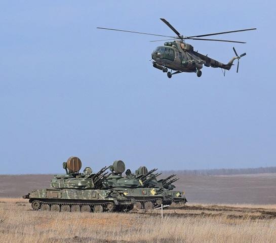 """Тактична група """"Маріуполь"""" провела у зоні ООС масштабні бойові навчання на узбережжі моря"""