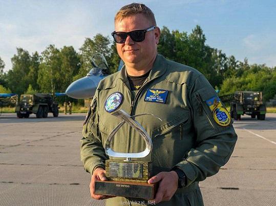 """Українського військового льотчика нагородили """"Повітряним Оскаром"""""""