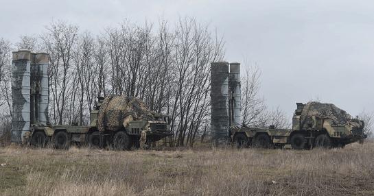 """Під час військових навчань повітряного командування """"Схід"""" відпрацьовано взаємодію з екіпажами зенітно-ракетних комплексів С-300"""