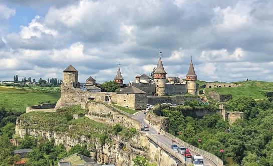 Кам'янець-Подільська фортеця готується приємно дивувати гостей у новому туристичному сезоні