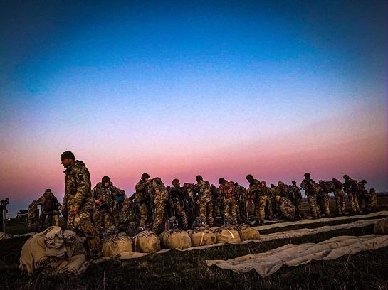 Бійці бригади морської піхоти тренувалися у масовому десантуванні