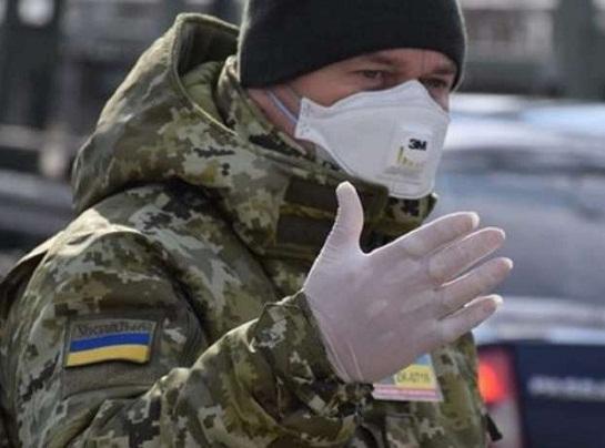 Україна повністю закриває кордони