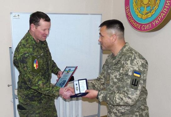 У Кам'янці-Подільському проводиться чергова ротація канадських військових інструкторів