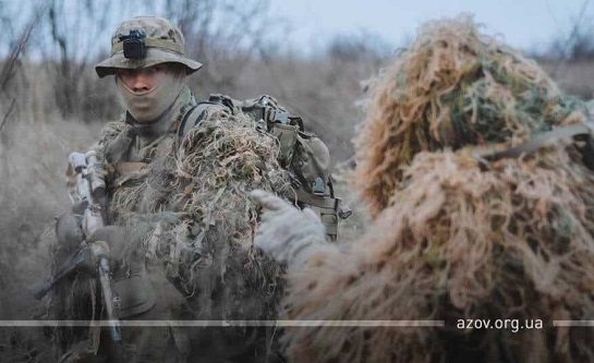 """Ворогам – """"не розслаблятись""""! Снайперська група полку """"Азов"""" пройшла спеціальний вишкіл"""