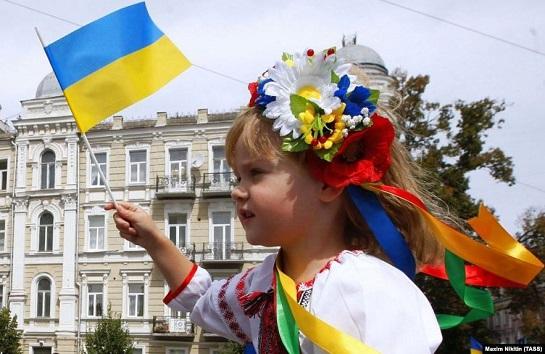 Опитування IRI: українці не втрачають почуття патріотизму