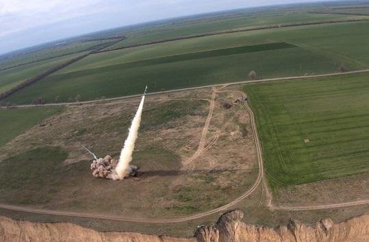 """На Одещині успішно проведено випробування високоточних реактивних боєприпасів """"Вільха-М"""""""