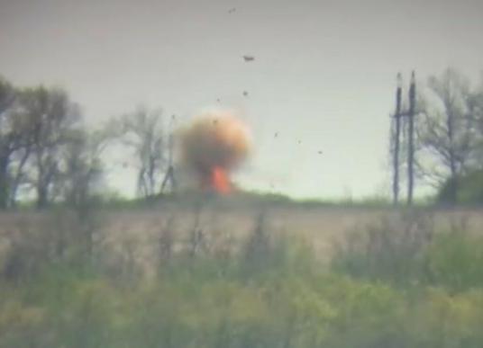 На Донбасі знищено ворожу вантажівку з боєприпасами
