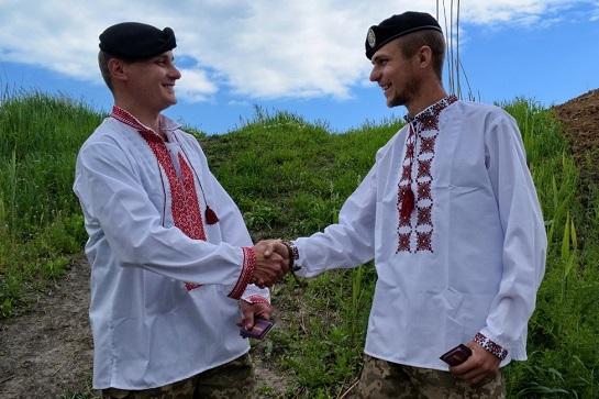 """Вишиванка – оберіг і """"зброя"""" українця"""