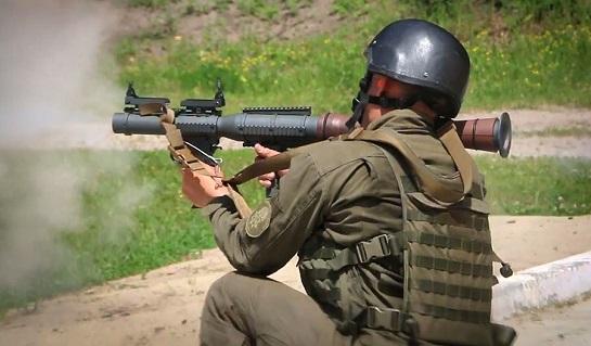 Нацгвардійці відпрaцьовують ведення бою з використанням американських гранатометів PSRL-1