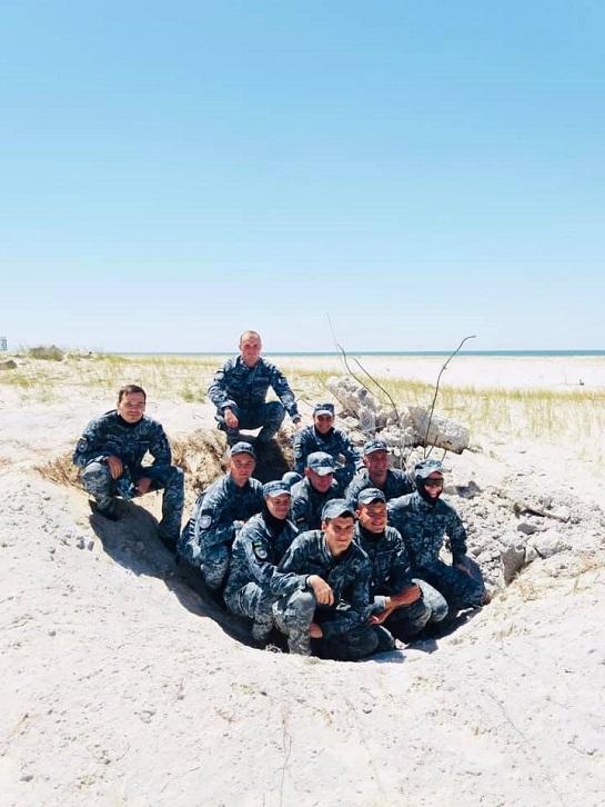 """Майбутні """"морські котики"""" тренуються підривати ворожі берегові об'єкти"""