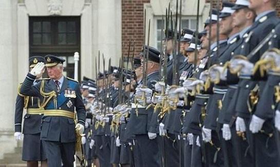 Принц Чарльз відзначив високий рівень підготовки у Великобританії військових льотчиків з України