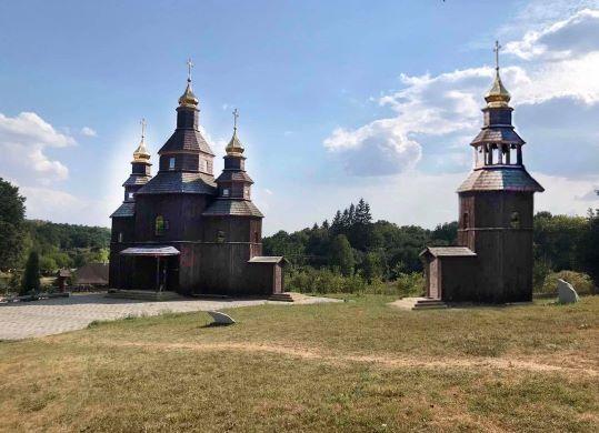 У Холодному Яру почали будівництво дзвіниці козацького храму Петра Калнишевського