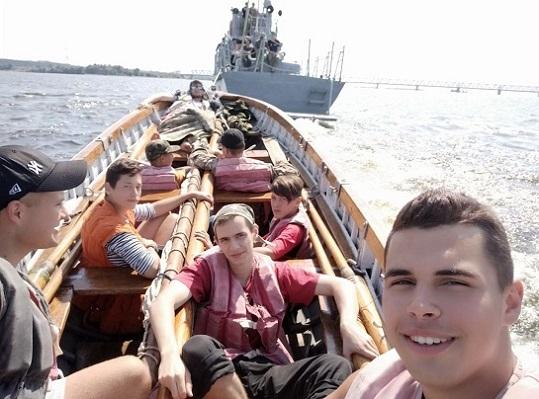 """Черкаський клуб юних моряків просить передати їм списаний катер Морської охорони """"Канів"""""""