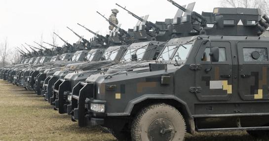 """Десантно-штурмові підрозділи тренуються блискавично атакувати на бронемашинах """"Козак-2″"""