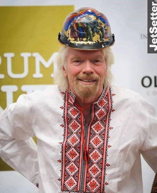 «Каски Майдану» від художника з Умані вдягли мільярдер з Великобританії і топ-політик з Польщі…