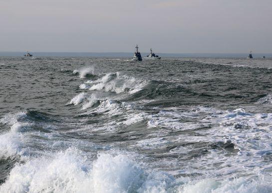"""Тактична група """"Маріуполь"""" кораблів ВМС і ДПСУ провела навчання в Азовському морі"""